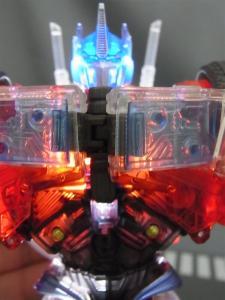 東京おもちゃショー2012 限定 シャイニングオプティマスプライム ロボットモード010