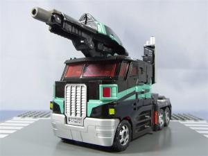 東京おもちゃショー2012 限定 ブラックオプティマスプライム ビークルモード016