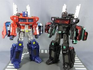 東京おもちゃショー2012 限定 ブラックオプティマスプライム ロボットモード010