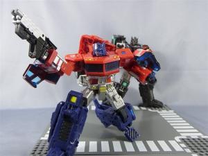 東京おもちゃショー2012 限定 ブラックオプティマスプライム ロボットモード016