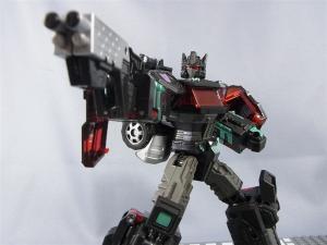 東京おもちゃショー2012 限定 ブラックオプティマスプライム ロボットモード017