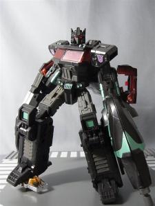 東京おもちゃショー2012 限定 ブラックオプティマスプライム ロボットモード034