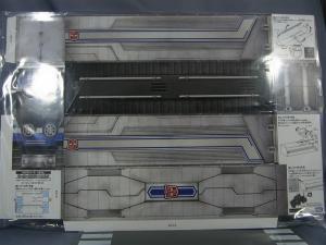 TF プライム トイザラス限定 バトルシールドオプティマス ビークルモード&限定コンテナ001
