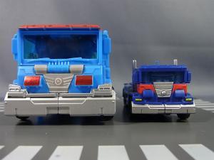 トランスフォーマープライム AM-27 ウルトラマグナス 比較&AM020
