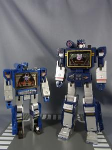 MP-12 サウンドウェーブ ロボットモード011