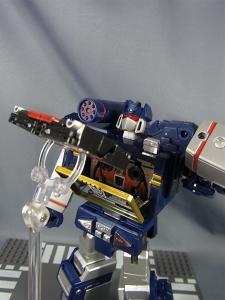 MP-12 サウンドウェーブ ロボットモード017