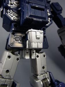 MP-12 サウンドウェーブ ロボットモード035
