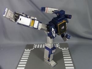 MP-12 サウンドウェーブ ロボットモード038