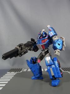 トランスフォーマー TFジェネレーションズ 2月分で武器交換006