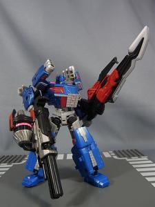 トランスフォーマー TFジェネレーションズ 2月分で武器交換008