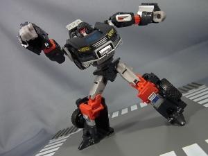 TFジェネレーションズ TG-27 トレイルブレイカー015