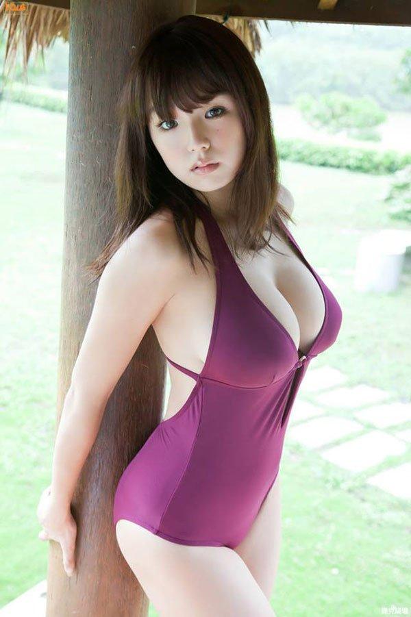 これはヤバイwww童顔巨乳の人気グラドル・篠崎愛ちゃん激似の新作AVが期待できそうと話題だwww
