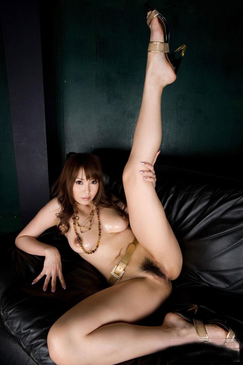 【驚愕】足コキとか興味なかったのにこの画像全部見終わったら脚フェチに変貌www今、無性に足コキされたいwww