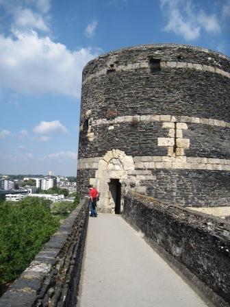 城の上も歩けます