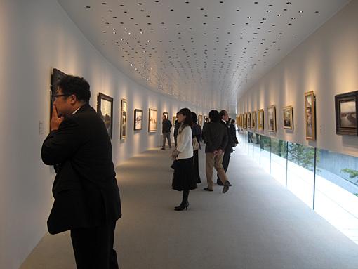 ホキ美術館展示風景01