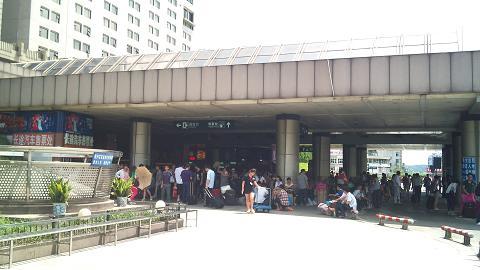 DSC_1250120629杭州駅外