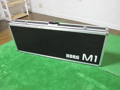 KORG M-1