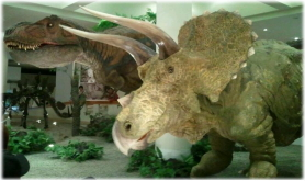 ティラノサウルストリケラトプス