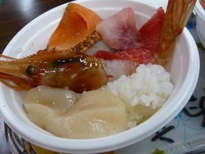 釧路「和商市場の勝手丼」8
