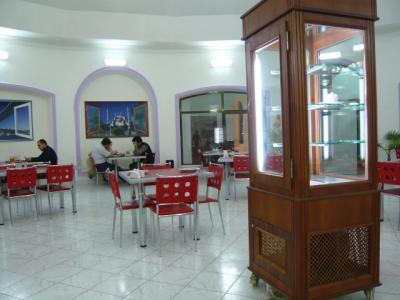 サマルカンド「新市街のトルコ料理屋さん」