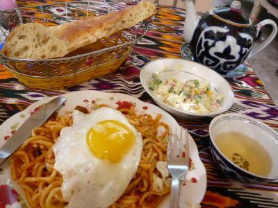 ブハラ「ラビハウズ東側のレストラン」5