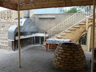 ブハラ「ラビハウズ西側のレストラン」4