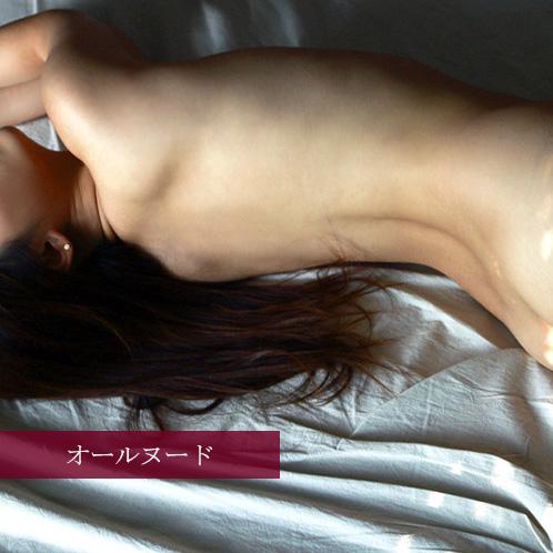 一糸纏わぬ美しい裸体。オールヌードのAV女優 画像20枚
