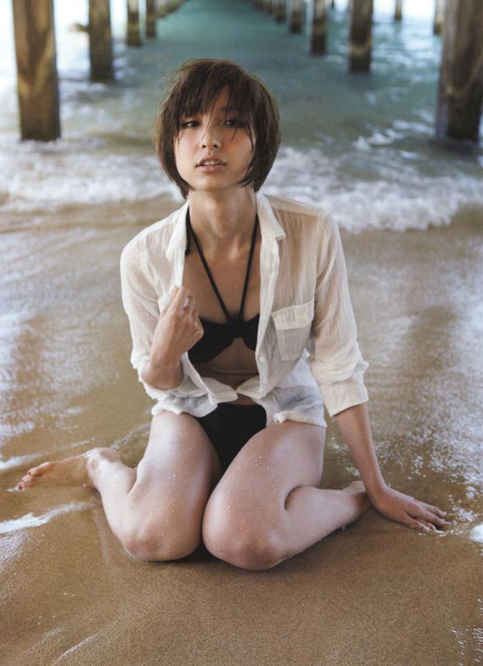 篠田麻里子 写真的カッコいい画像20枚