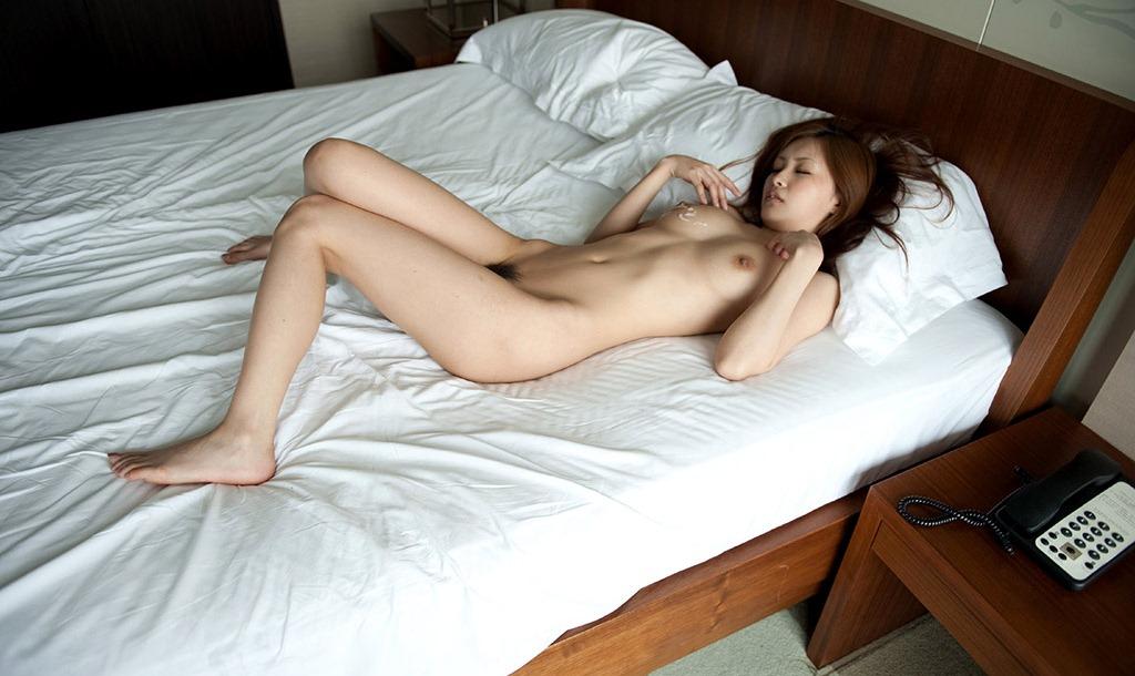 【えっちなお姉さん。】 AV女優 橘ミオン(石川鈴華) バックで突かれて感じる絡み画像