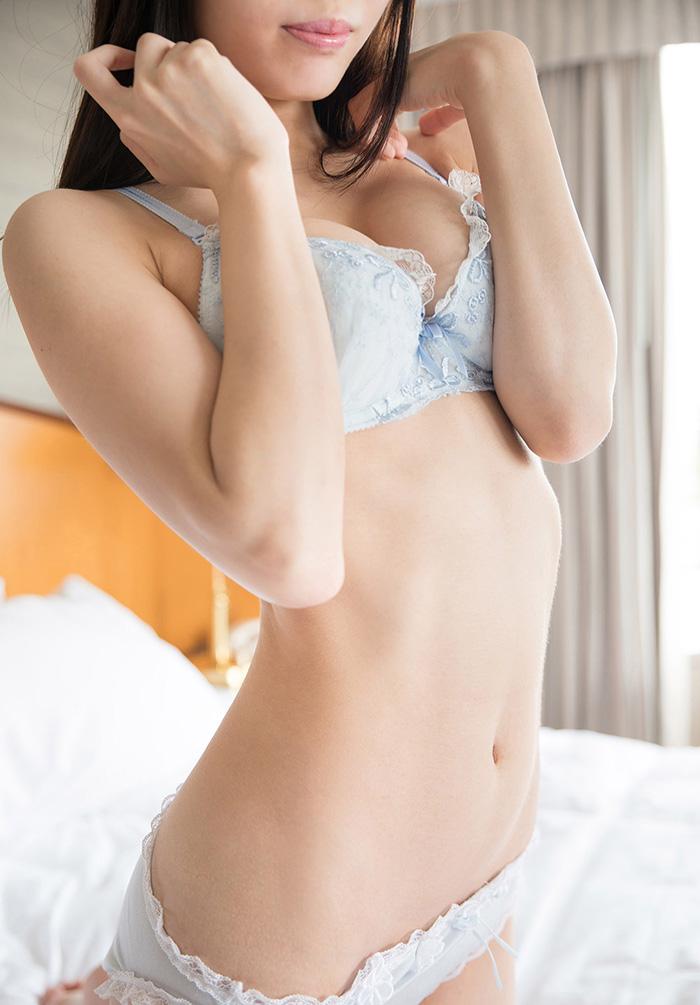 川菜美鈴 フェラチオ 画像 2