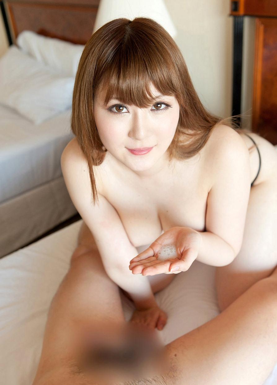 【えっちなお姉さん。】 AV女優 仁科百華 巨乳お姉さんのフェラ・パイズリ画像