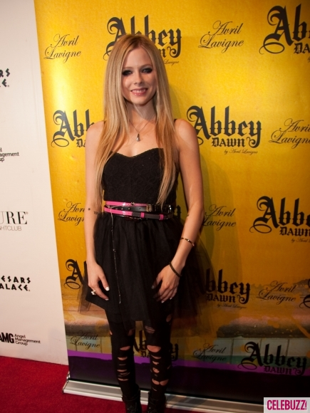 Avril_Lavigne_Abbey_Dawn_After-Party_at_Pure_Nightclub_in_Las_Vegas_Nevada-1-435x580.jpg
