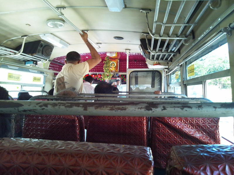 コロンボのバス(内部)