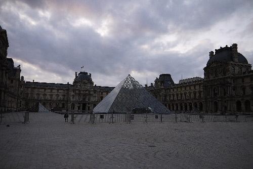 ルーブル美術館&ピラミッド