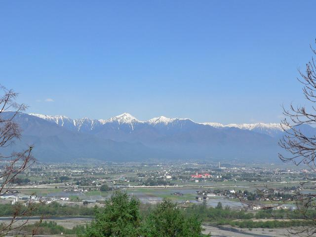 常念岳と安曇野