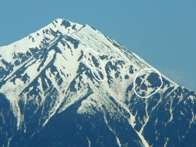 常念岳の雪形