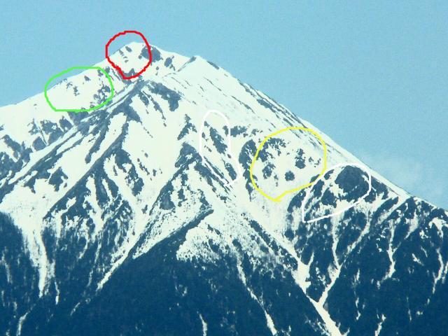 常念岳の雪形2