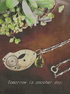 古い時計のパーツ ペンダント