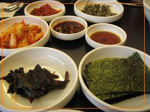 3日目 朝食 豆腐チゲの副食