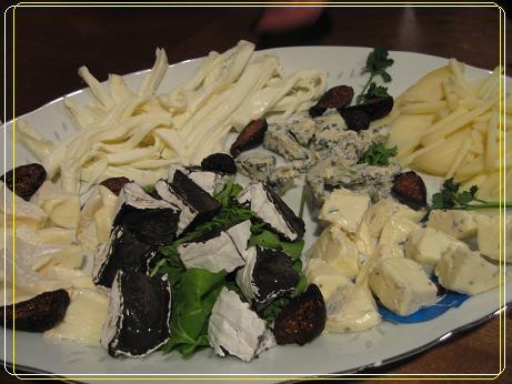 11 チーズ各種(裂けるチーズ、イカスミチーズ、ブルーチーズ、イチジク・・・)