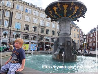 ガルメン広場の噴水