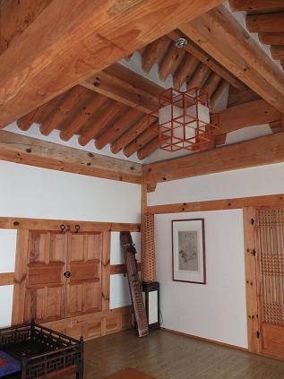 3耽美堂 講堂 屋根が二段階