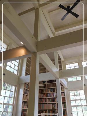 BCC 林の中の小さな図書館 2