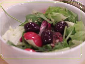 9-3ディナー トマトとオリーブのミックスサラダ フレンチイタリアンドレッシングを添えて