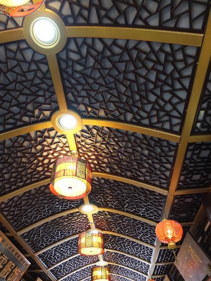印象的な天井
