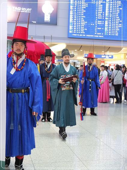 10-25 仁川空港 行列1