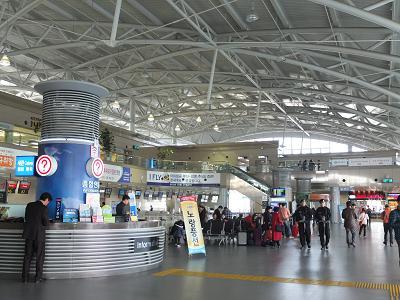 11-09大邸 金海空港にて
