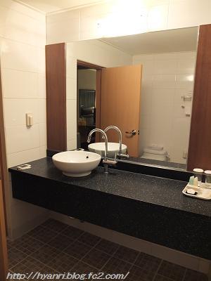 11-09 hotel 13