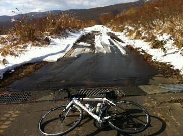20121122CAAD10ロング雪の通行止め牧峠