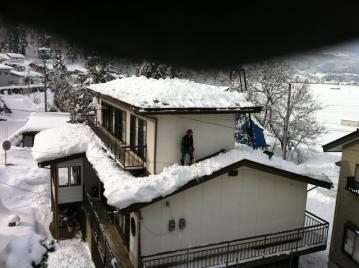 20130105雪降ろしカメラマン